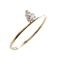 Wedding rings and engagement jewelery with exceptional certified diamo